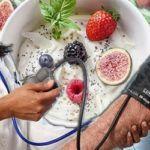 Какие продукты нормализуют давление? Диета, а также фрукты и овощи, помогающие стабилизировать АД и работу сердца